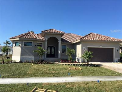 Marco Island Single Family Home For Sale: 1330 Freeport Ave