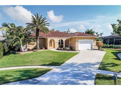 Marco Island Single Family Home For Sale: 601 Lewis Ct