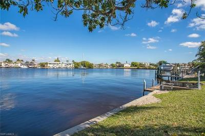 Cape Coral Single Family Home For Sale: 1629 Edith Esplanade