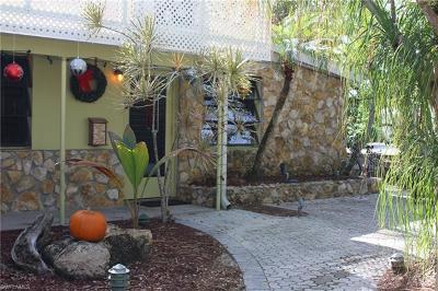 Naples Single Family Home For Sale: 1014 Broad Ave N