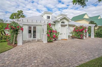 Naples Single Family Home For Sale: 755 Broad Ct N