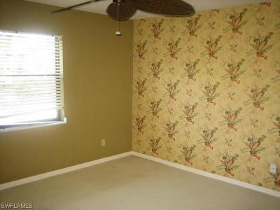 Naples Condo/Townhouse For Sale: 228 Fox Glen Dr #3209