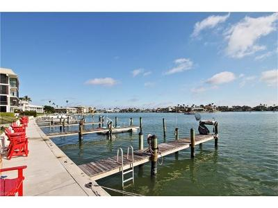 Condo/Townhouse For Sale: 3200 Gulf Shore Blvd N #105