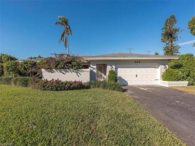 Naples Single Family Home For Sale: 305 Burning Tree Dr