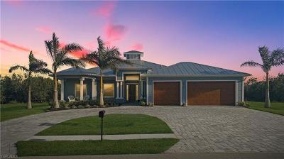 Cape Coral Single Family Home For Sale: 2557 Surfside Blvd