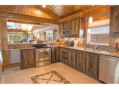 Isles Of Capri Single Family Home For Sale: 407 Samar Ave