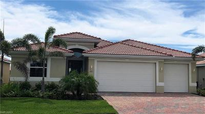Cape Coral Single Family Home For Sale: 3007 Sunset Pointe Cir