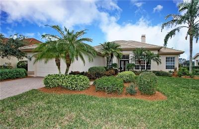 Naples Single Family Home For Sale: 1114 Camelot Cir
