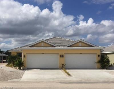 Fort Myers Condo/Townhouse For Sale: 14596 Abaco Lakes Dr