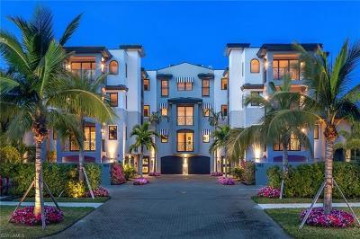 Naples FL Condo/Townhouse Pending With Contingencies: $2,395,000