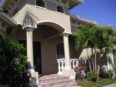 Marco Island Single Family Home For Sale: 452 Parkhouse Ct