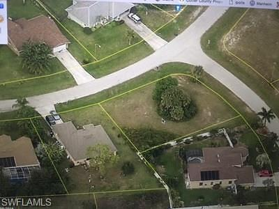 Lee County Residential Lots & Land For Sale: 100 SW 17th Pl
