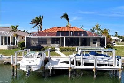 Marco Island Single Family Home For Sale: 1853 Apataki Ct