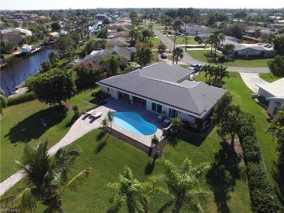 Cape Coral Single Family Home For Sale: 1831 SE 26th Ter