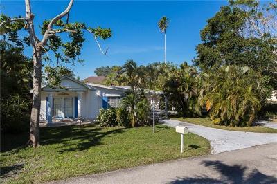 Bonita Springs Single Family Home For Sale: 27098 Del Ln
