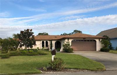 North Fort Myers Single Family Home For Sale: 7203 Reymoor Dr W