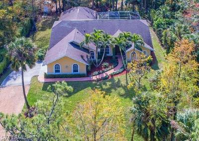 Naples Single Family Home For Sale: 6070 Dogwood Way