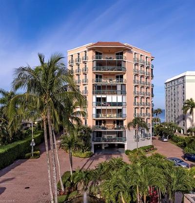 Eleven Hundred Club, Del Mar, Harbour Club, Banyan Club, Banyan Corners, Mansion House, Laurentians, Via Delfino, Naples Casamore Condo/Townhouse For Sale: 1221 Gulf Shore Blvd N #401