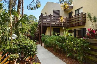 Fort Myers Condo/Townhouse For Sale: 107 Pinebrook Dr #107