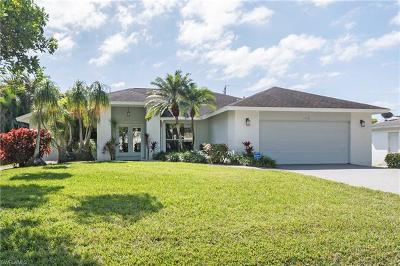 Naples Single Family Home For Sale: 1116 Cypress Woods Dr