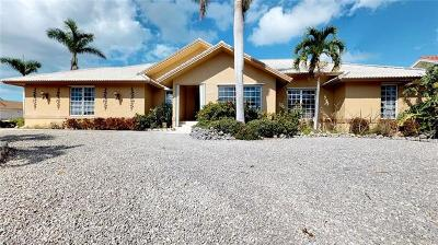 Marco Island Single Family Home For Sale: 1760 Barbados Ave