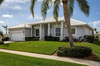 Marco Island Single Family Home For Sale: 140 S Seas Ct