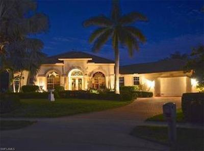 Marco Island Single Family Home For Sale: 1095 Dill Ct