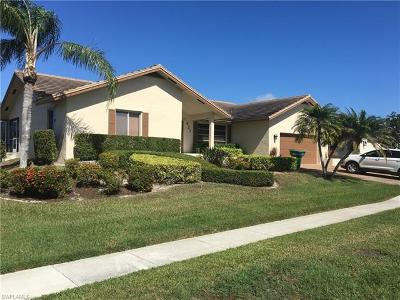Marco Island Single Family Home For Sale: 927 Juniper Ct