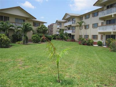 Fort Myers Condo/Townhouse For Sale: 3704 Broadway #216