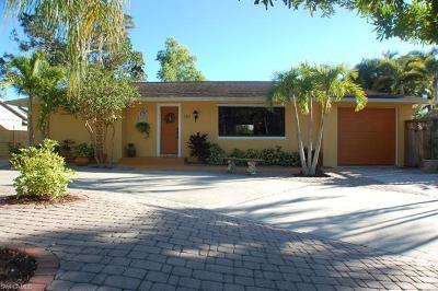 Bonita Springs Single Family Home For Sale: 140 1st St