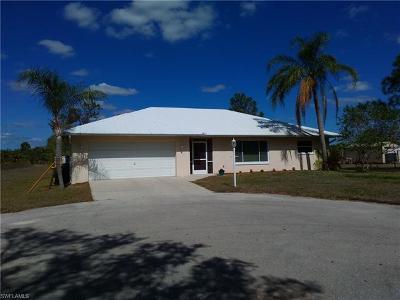 Naples Single Family Home For Sale: 261 20th Ave NE