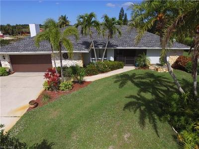 Naples Single Family Home For Sale: 347 Country Club Ln