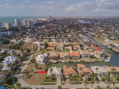 Marco Island Single Family Home For Sale: 837 Banyan Ct