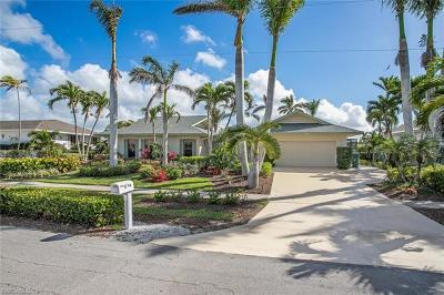 Marco Island Single Family Home For Sale: 371 Nassau Ct