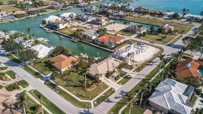 Marco Island Single Family Home For Sale: 501 Shalimar St