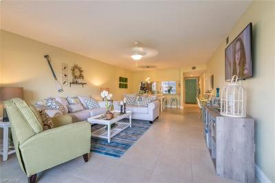 Naples Condo/Townhouse For Sale: 6985 Dennis Cir #H-104