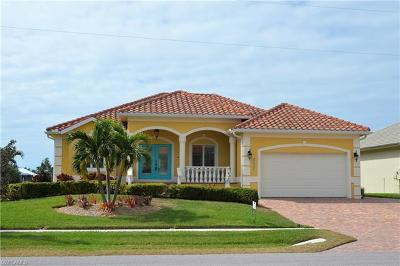 Marco Island Single Family Home For Sale: 332 Copperfield Ct