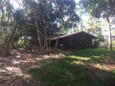 Bonita Springs Single Family Home For Sale: 28067 Oak Ln