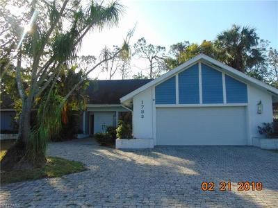 Collier County, Lee County Single Family Home For Sale: 1782 Knights Ct
