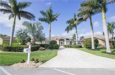 Estero Single Family Home For Sale: 22379 Fountain Lakes Blvd