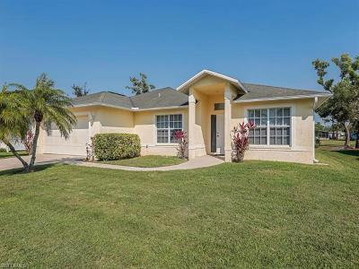 Naples Single Family Home For Sale: 730 Charlemagne Blvd