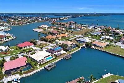 Marco Island Single Family Home For Sale: 653 Bimini Ave