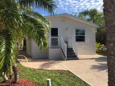 Goodland, Marco Island, Naples, Fort Myers, Lee Mobile/Manufactured For Sale: 1438 Diamond Lake Cir