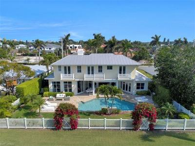 Naples Single Family Home For Sale: 620 Harbour Dr