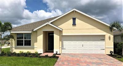 Cape Coral Single Family Home For Sale: 3600 Denia Ct