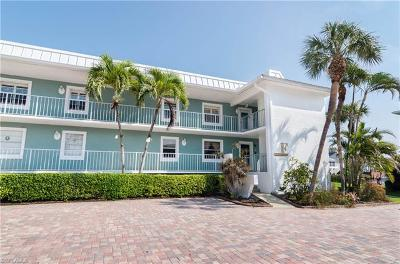 Naples Condo/Townhouse For Sale: 1100 Little Neck Ct #F59