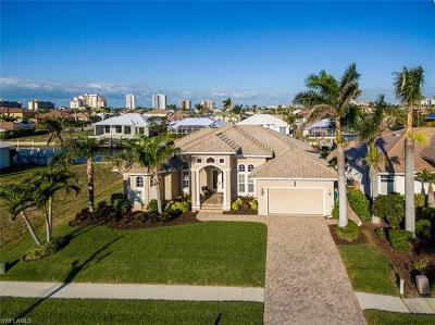 Marco Island Single Family Home For Sale: 50 Hickory Ct
