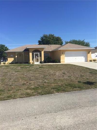 Cape Coral Single Family Home For Sale: 919 NE 18th Ter