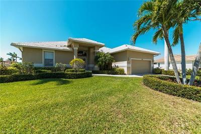 Marco Island Single Family Home For Sale: 320 Marquesas Ct