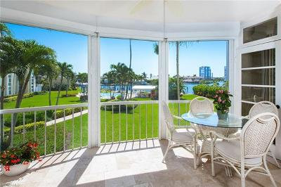 Naples Condo/Townhouse For Sale: 400 Park Shore Dr #204